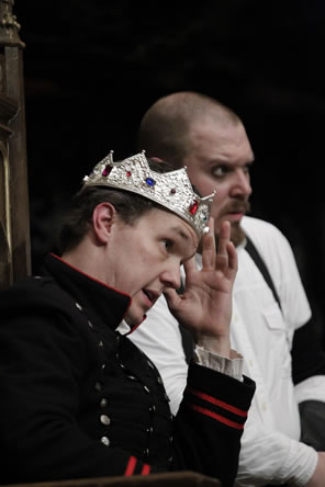 John Harrell as Edward wearing the crown with Ben Curns as Richard by his side